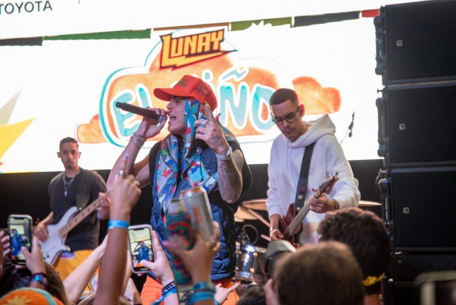 El rapero y cantante puertorriqueño Lunay en el Toyota Music Den.