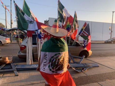 El mes de la Herencia Hispana comenzó el 15 de septiembre con celebraciones y banderas ondeando en Chicago.