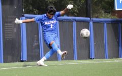 Lone goal by Huth secures 1-0 victory for men's soccer over Creighton