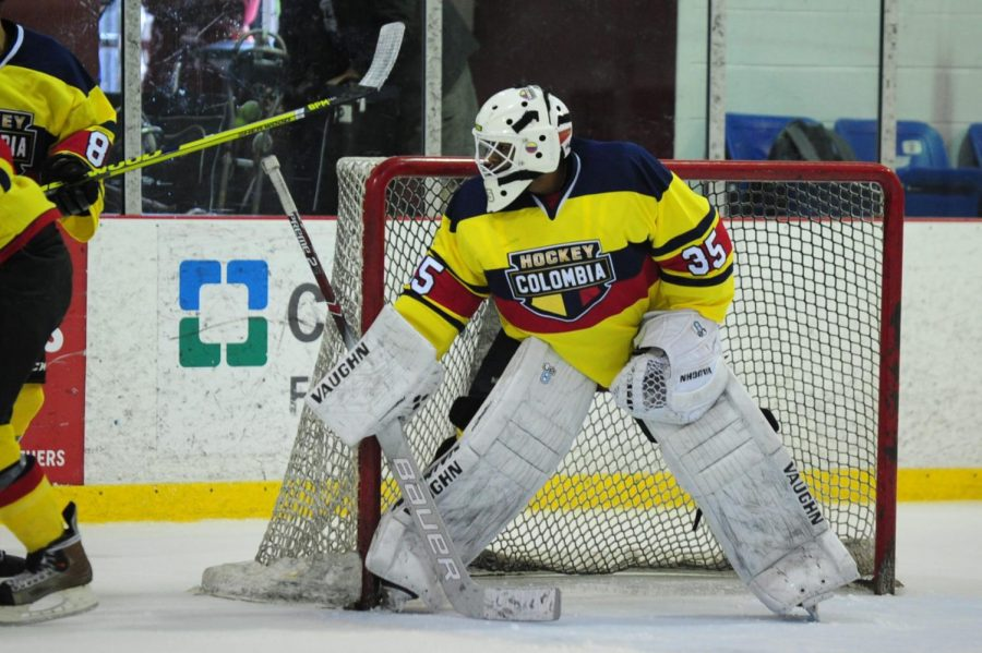 Hodgson in net for Team Colombia. Courtesy of Rudy Hodgson