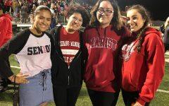 Jocelyn Diaz, ex alumna de la escuela secundaria Marist, durante un partido de fútbol en 2017.